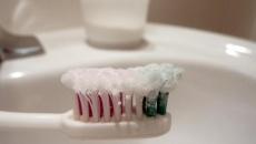 Правильне використання зубного порошку